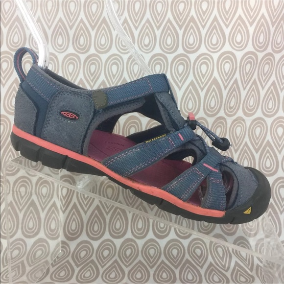 Keen Clearwater CNX Sandals Size US 3 EUR 35 S493 3d01832498